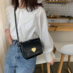 Designer-Ladies Saddle Bags Embroidery PU Leather Messenger Shoulder Bags Retro Handbags for Decorative Outdoor Travelling