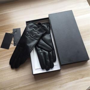 Harf Keçi derisi Erkek Eldiven Moda Sıcak Five Fingers Eldiven Lüks Siyah Nefes Eldivenler Ins Sıcak Şık Eldivenler