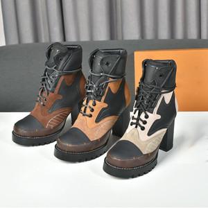 مصمم ستار درب الكاحل التمهيد، أحذية جلدية جلد العجل مع تقليم قماش كلسسي، 9.5 سم عالية الكعب مكتنزة ومنصة بليد