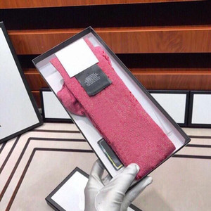 Chaussettes de concepteur de femmes chaudes avec lettre de la mode chaussettes à rayures de lettres Nouveau designers Bas Unisex 1Pairs avec boîte-cadeau Boîte longue 29 couleurs
