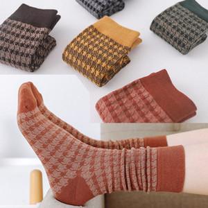 Autumn Winter High Quality Designer G Socks Mens Womens Sports Socks Outdoor Short Tube Sock Running Socks Fashion Cotton Plaid Stocking