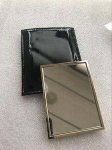 vendita calda con logo Y specchio a mano con mini trucco della cassa del regalo color oro specchio stile classico portatile (Anita Liao)