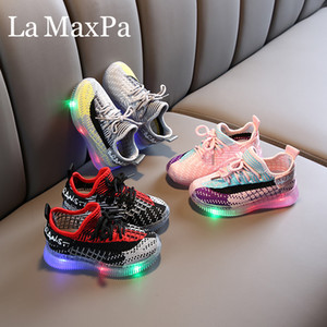 2020 New Glowing Sneakers Mesh Breathable Baskets Led Shoes with Light Up Sole Boys Girls Glowing Kids Enfant LED Slippers Girl