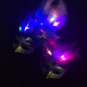 Máscaras Máscara LED Pluma de Halloween Mujeres luminosa de la mascarada del partido de Bachelorette del vestido de lujo de la princesa bola carnaval Mask0