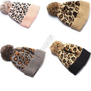 Inverno Berretti Marca Designers Cap Cappellino Beanie Hat Leopard Pompon lavoro a maglia cappelli del crochet Caps Donne Bambine Bonnet sci Gorros D92405