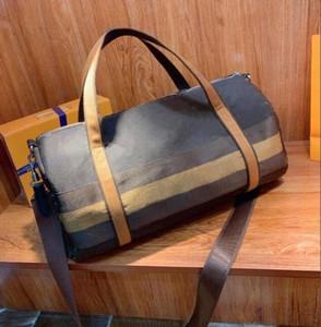 2021 Neue Ankunft Designer Duffel Bags Männer Hohe Qualität Leder Reisetasche Gepäckwochenende Tasche Tag Kupplung Gym Bag Geldbörse