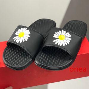 Cheap Men Women slide slippers Beach Sandals Designer Shoes Luxury Summer Fashion Street Wide Flat Slippery Sandals Slipper Flip Flop