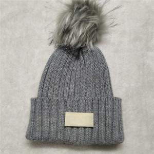 Yeni POM Kış Yeni Sıcak Yün Şapka Tasarımcı Örme Kadın Şapka Sıcak Satış Moda Beanies Ücretsiz Kargo