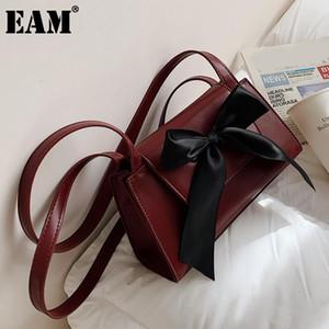 [EAM] mujeres nuevas cintas elegantes arco PU PU de cuero solapa personalidad todo-partido cruz bandolera moda marea 2021 18a1284