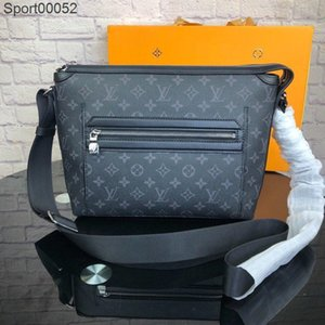 Top Qaulity small style Black color Messenger bag for Men Casual real leather totes handbags shoulder bags for man size 30.5 x 26 x 11 cm
