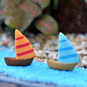 Miniatur-Segelschiff Gelb Blau Aquarium Ornaments-Material Moss Terrarium Micro BeachLandscape Mediterraner Stil Fairy Garden DWF2485