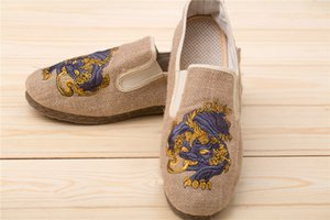 Ma Fan 2020 summer breathable men's casual shoes Chinese ethnic style linen unicorn embroidered beef tendon flat shoes