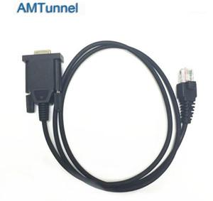 La programación del COM F110 F111 F210 F211 F1810 F1821 coche walkie-talkie escribiendo frecuencia línea1