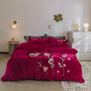 Vin rouge rose gris Fleurs Handwork broderie hiver velours Ensemble de literie Toison tissu Ruffle housse de couette drap de lit Taies