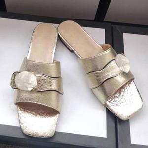 Flip Flip Floop Cómodo y hermoso Zapatillas exteriores Sandalias de Moda Hebilla de metal Mujeres Sandalias planas Sandalias Diseñador Zapatos de mujer