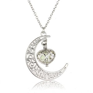 the in Moon Glow Heart Necklaces Luminous Dark Silver Fashion Essential Oil Diffuser Necklace Lockets Chains Pendant8C9U