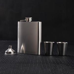 Портативный 8oz Flub Flask набор с воронкой Мини Чашка Человек Подарочная коробка Нержавеющая сталь Бедкие колбы Виски Портативные винные винные бутылки VF1319 T03