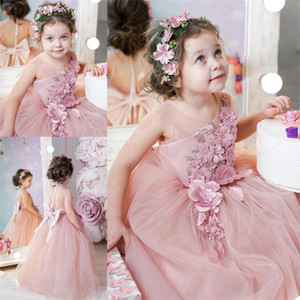 2021 Tulle A Line Flower Girl Dresses Lace Appliques Jewel Neck Beaded Vintage Pageant Gowns Backless Girls Birthday Party Dress