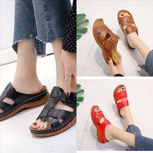 0UB (مع الصنادل الجديدة مصمم شقة أزياء جلدية أحذية نسائية عالية الجودة جودة دمية نمط النعال الأمريكية فتاة الكلاسيكية النعال