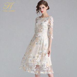 H Han Queen New Женщины Вышивка Mesh платье цветок выдалбливают 3/4 рукава Vestidos Элегантная работа Повседневная Винтажная партии Макси платья