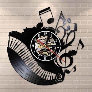 Piano Room Music Notes Vinyl Record Horloge Musicien Professeur Panneau Personnalisé Personnes Personnes Mur Art Vinyl Clock J'aime Musique Horloge Montre Y200407