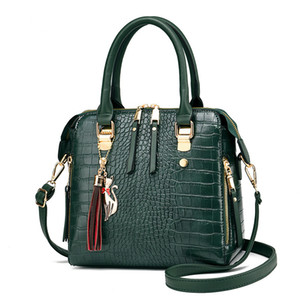 Fashion Crocodile Pattern Handbag Bags For Women 2020 PU Leather Tassel Shoulder Luxury Designer Handle Bag Lady Purse sac Q1110