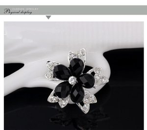 Spille per le donne d'argento placcato Cancella Prom Splendidamente damigella d'onore perni del Brooch fiore regalo gioielli spilla di cristallo strass