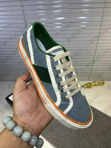 Tennis Bas-top 1977 Sneakers Baskers Fond Luxurys Vintage Runner Entraîneurs Mens Flats Skate Designer Femme Off the Grid Casual Shoes