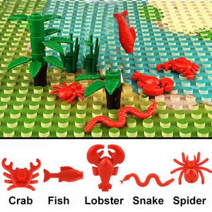 2pcs lot Animal City Building Blocks Crab Fish Spider Snake Crap shrimp Model Friends Accessories Bricks Toys For Children Gift