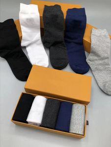 mens meias Mulheres no atacado e Homens Casual meias Carta respirável de alta qualidade Algodão Meias 100% algodão Sports Atacado