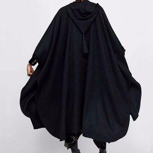 Manteau à capuchon à capuchon d'hiver épais femmes laine femmes gothique cape poncho manteau ouverte cardigans femelle gland de tranchée longue tranchée de tranchée