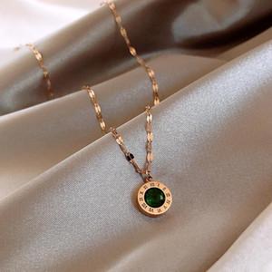 Charm de moda Número romano Número verde Collar de circón para mujer Temperamento Acero inoxidable Collar Colgante Joyería