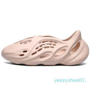 Kanye West Fashion Men Donne Schiuma Summer Sandalo Sandalo Casual Pantofole da spiaggia Scarpe da spiaggia Black FoamDesert Earth Brown Slide Resina Stylist Stylist Y01