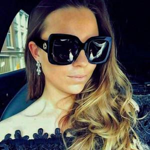 0083 Femmes populaires Lunettes de soleil mode carré Été Plein cadre de qualité supérieure Protection UV 0083S lunettes de soleil couleurs mélangées viennent avec la boîte