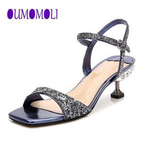 2020 моды новых латинских танцев обувь Женщины Rhinestone Сальса Glitter Бальные сандалии партии Танцы обувь Flare каблука синий Q363