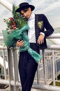 роскошные мужские моды золотой вышивка значок воротник куртки / мода / размер Азия