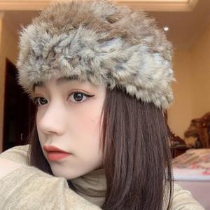 Küçük şapka çevrimiçi ünlü kürk gerçek saç bandı kadınlar sonbahar ve kış vahşi peluş boş üst ılık Mao geniş kenarlı