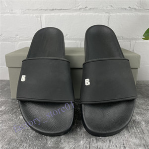 Новый Париж Мужская Женская Тапочка Летние Сандалии Scuffs Пляж Полды Досуг Офис Тапочки Человек 3D Печать Sandali Ванная комната Обувь Вам