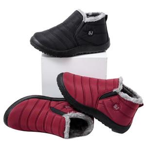 Deslizamento HKXN Casal neve botas femininas sapatos quentes Plush Fur Botas femininas de inverno em calçados casuais Plano T Waterproof
