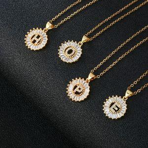 Chiara Cubic Zirconia Lettera Collana pendente Collana in oro 26 A-Z Fascino di rame iniziale Catena in acciaio inox Collana in acciaio inox Regalo