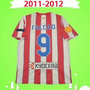 Atletico Madrid jersey Cup 2011 2012 Retro Soccer Jerseys Camisas de futebol vintage casa vermelho branco 11 12 clássico Uniformes # 9 falcao qualidade superior com patches