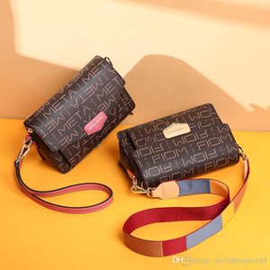 Crossbody bag old pattern Hong Kong trend shoulder bag small square bag female classic generous gift L9013