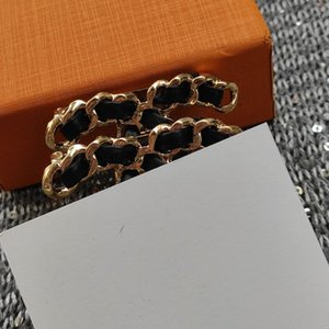 new fashion brooch for classic chain with metal C classic breast pin luxury accessories party gift With VIP paper card