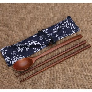 100set 2pcs set Wood Chopsticks And Spoon With Pattern Bag Packaging Creative Personalized Wedding Favors Gifts Party Return Gift SN519