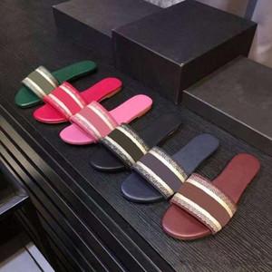2021 Nuovi sandali Blu Sandali Bianchi Bianchi Sandali Denim Pantofole piatte Scarpe da donna estate Spiaggia all'aperto Spiaggia Causal infradito in vera scatola di suola in pelle