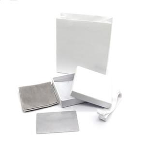 Brand name fashion jewelry box D white high-end jewelry bag Christmas gift box free to send