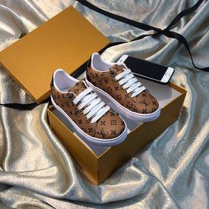 Designer de luxo de couro genuíno Meninos Meninas Calçados Moda suave Crianças Loafers Crianças Flats calçados casuais barco Casamento Infantil Mocassins
