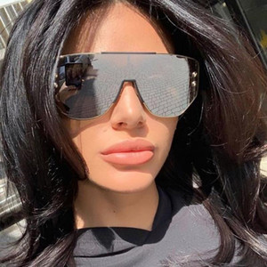 2020 Shades Frame Square Sunglasses Female Glasses Unisex High Quality Fashion Luxury New Women Women Big Sun Glasses Oversized Uflbl