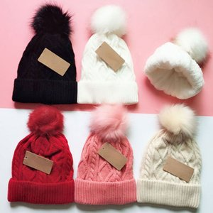 Kış Beanies Şapka Kalınlaşmak kasketleri Örgü Şapka Men Women 6colors DHL Kargo Casual Caps Isınma
