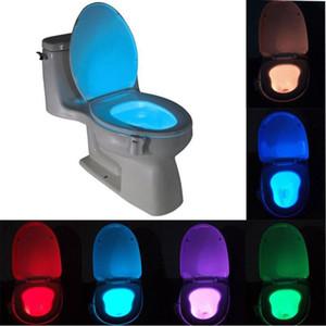 Smart Bathroom Toathet Lightlight LED الجسم الحركة المنشط على / قبالة مقعد الاستشعار مصباح 8 متعدد الألوان مصباح المرحاض W-00666